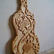 Для дома и интерьера handmade. Livemaster - original item Cutting Board Ode to Angelica and the bee. Handmade.