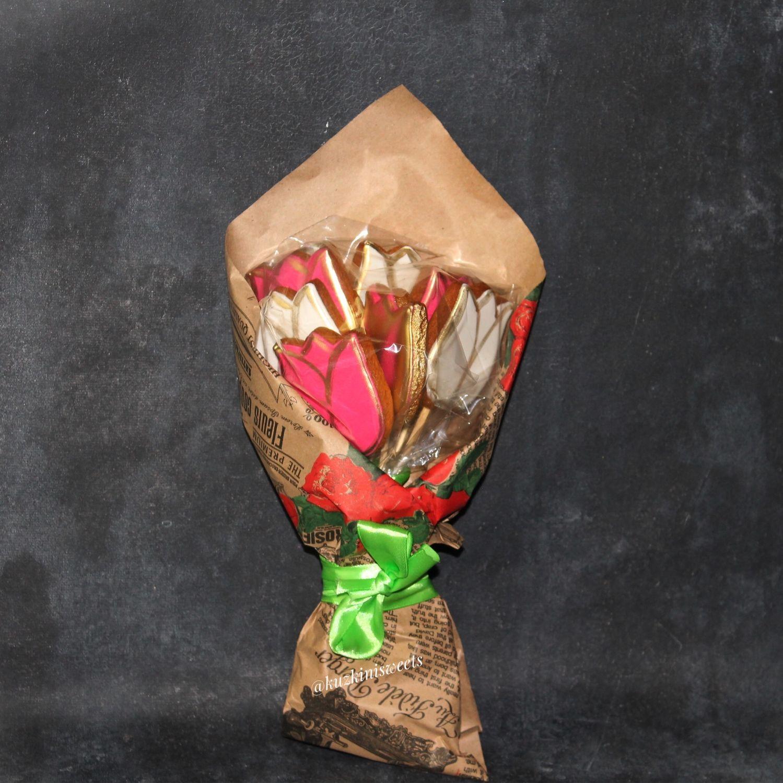Кулинарные сувениры ручной работы. Ярмарка Мастеров - ручная работа. Купить Пряничный букет «Тюльпаны». Handmade. День учителя