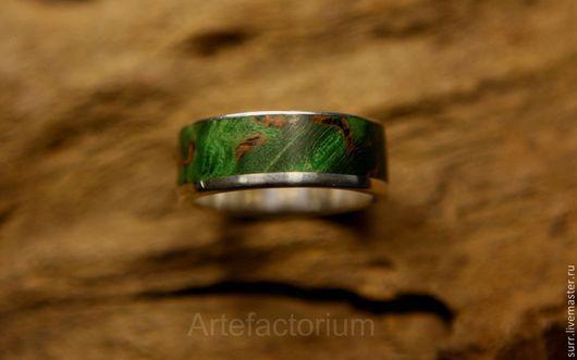 """Кольца ручной работы. Ярмарка Мастеров - ручная работа. Купить Мужское кольцо с карельской берёзой """"Зелёная улица"""" (№19). Handmade."""