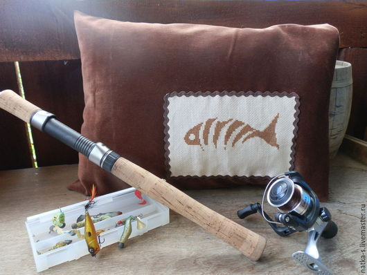 """Автомобильные ручной работы. Ярмарка Мастеров - ручная работа. Купить Подушка для автомобиля """"Улов рыбака"""". Handmade. Коричневый, рыбак"""