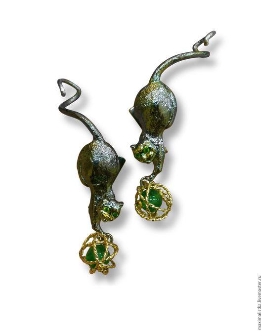"""Серьги ручной работы. Ярмарка Мастеров - ручная работа. Купить Серьги-каффы """"Шаловливые Котэ"""" из серебра и золота, хризопраз зелёный. Handmade."""