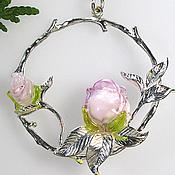 Украшения ручной работы. Ярмарка Мастеров - ручная работа Кулон Тайный сад  - авторский лэмпворк розовые розы подарок. Handmade.