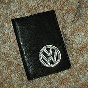 Сувениры и подарки ручной работы. Ярмарка Мастеров - ручная работа Обложка Volkswagen на документы из натуральной кожи со знаком. Handmade.