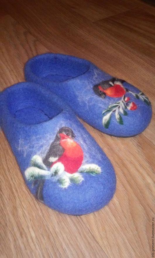 Обувь ручной работы. Ярмарка Мастеров - ручная работа. Купить Тапочки со снегирями. Handmade. Синий, валяные тапочки