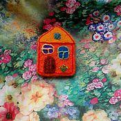 Украшения ручной работы. Ярмарка Мастеров - ручная работа Брошь войлочная - домик. Handmade.