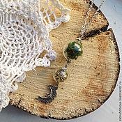 Украшения ручной работы. Ярмарка Мастеров - ручная работа Кулон с микробисером, мхом и луной. Handmade.
