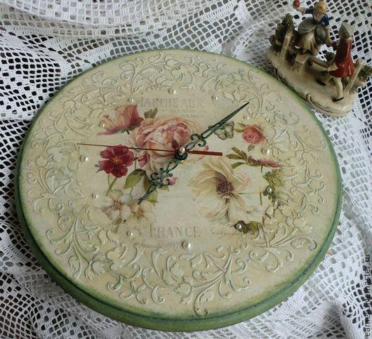 """Часы для дома ручной работы. Ярмарка Мастеров - ручная работа. Купить Часы """"Нежность роз"""". Handmade. Белый, винтаж, шебби"""