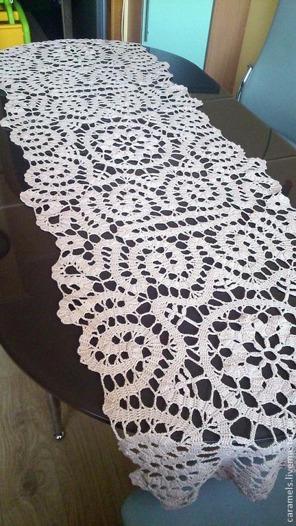 Текстиль, ковры ручной работы. Ярмарка Мастеров - ручная работа. Купить вязанная дорожка на стол. Handmade. Скатерть крючком, на заказ