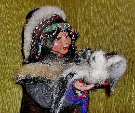 Народные куклы ручной работы. Ярмарка Мастеров - ручная работа. Купить Кукла  Теюнэ  и чайка  - ненецкая девушка. Handmade. бисер