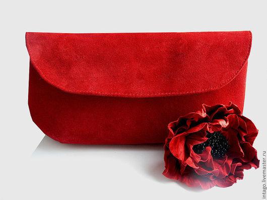 """Женские сумки ручной работы. Ярмарка Мастеров - ручная работа. Купить Клатч и брошь  """"Красный мак"""". ( красный  замшевый клатч). Handmade."""