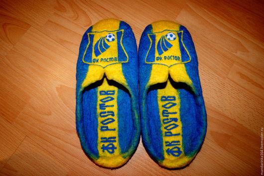 Обувь ручной работы. Ярмарка Мастеров - ручная работа. Купить Валяные тапочки болельщика. Handmade. Комбинированный, спортивный, тапочки из войлока