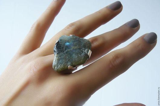 Кольца ручной работы. Ярмарка Мастеров - ручная работа. Купить осколок метеорита. Handmade. Лабрадорит, серебряное кольцо, серебряные кольца