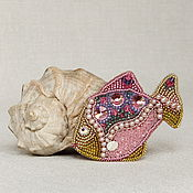 Украшения ручной работы. Ярмарка Мастеров - ручная работа Брошь Рыбка розовая. Handmade.