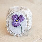 """Украшения ручной работы. Ярмарка Мастеров - ручная работа """"Для каждой леди"""" - текстильная брошь с вышивкой. Handmade."""