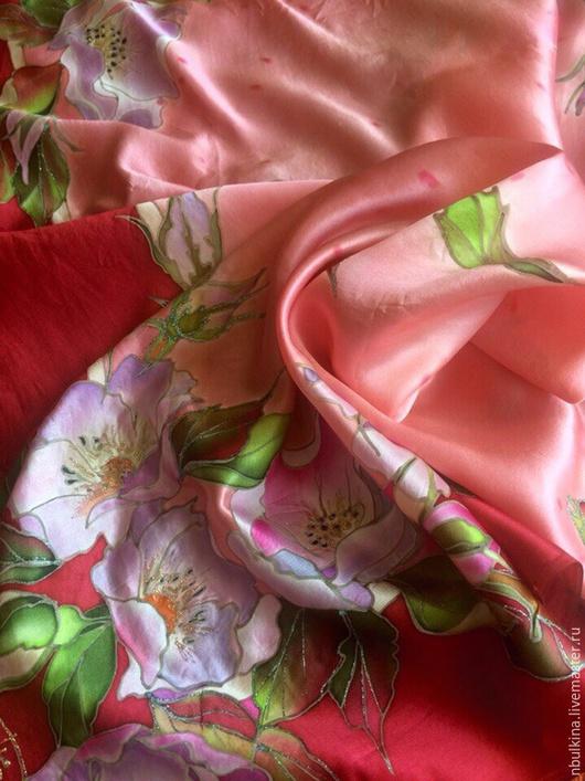 """Шали, палантины ручной работы. Ярмарка Мастеров - ручная работа. Купить Шелковый платок """" Цветет шиповник"""". Handmade. Разноцветный"""
