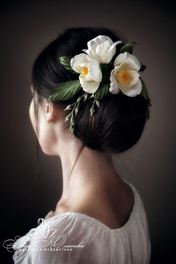 """Цветы ручной работы. Ярмарка Мастеров - ручная работа. Купить """"Дама с Камелиями"""". Handmade. Невеста, свадебные аксессуары, свадебная прическа"""