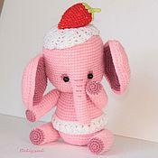 Слоняша Клубничкина, розовая вязаная игрушка тедди