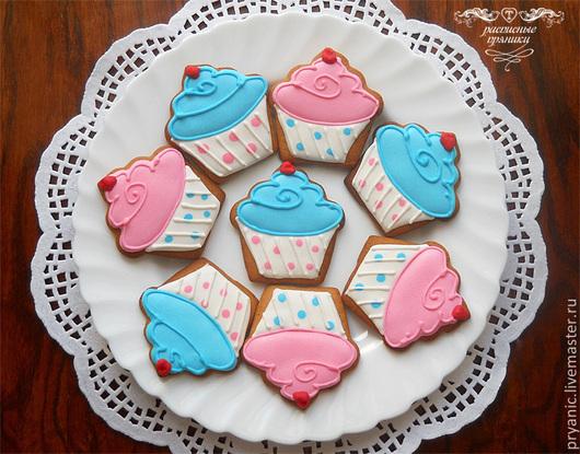 Кулинарные сувениры ручной работы. Ярмарка Мастеров - ручная работа. Купить Пряники-капкейки для сладкого стола. Handmade. Голубой