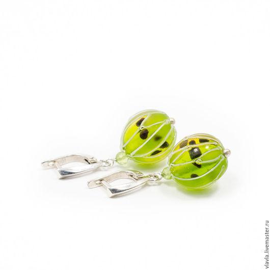 Серьги ручной работы. Ярмарка Мастеров - ручная работа. Купить Серебряные серьги из крыжовника Lampwork (лэмпворк) , ягоды, зелёный. Handmade.