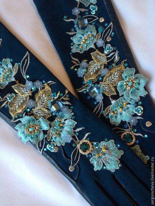 """Варежки, митенки, перчатки ручной работы. Ярмарка Мастеров - ручная работа. Купить Перчатки""""Paradise blue petunias"""". Handmade. Перчатки"""