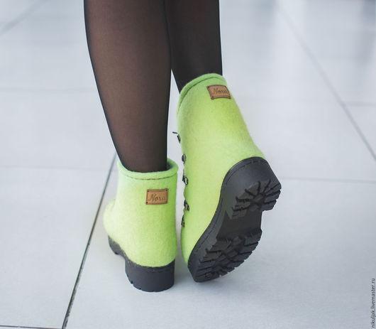 Обувь ручной работы. Ярмарка Мастеров - ручная работа. Купить Ботинки Валяные Лайм. Handmade. Nora, зимние ботинки, Валяние