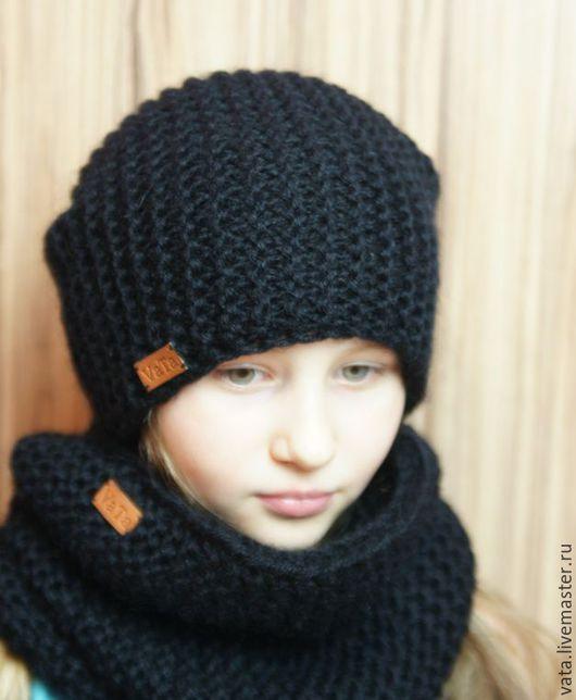 Вязаная шапка бини с меховым помпоном, шапка бини  вязанная, вязаная шапка крупной вязки, вязаная шапка спицами, вязаная шапка, шапка вязанная, шапка с помпоном, теплая шапка, снуд вязаный