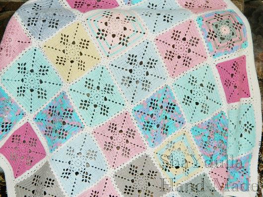 """Пледы и одеяла ручной работы. Ярмарка Мастеров - ручная работа. Купить Вязаный детский плед """"Цветные квадратики"""" купить. Handmade."""