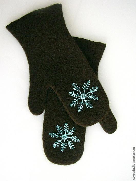 """Варежки, митенки, перчатки ручной работы. Ярмарка Мастеров - ручная работа. Купить Варежки валяные """"Снежинка мятная в шоколаде"""". Handmade."""