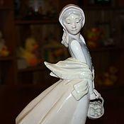 """Винтаж handmade. Livemaster - original item Винтажная фарфоровая статуэтка """"Девушка с корзиной"""", NAO, Испания. Handmade."""