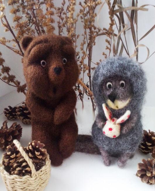 """Сказочные персонажи ручной работы. Ярмарка Мастеров - ручная работа. Купить Интерьерная композиция """"Ежик и медвежонок"""", сухое валяние. Handmade."""