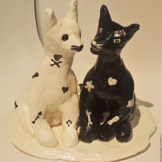Приколы ручной работы. Ярмарка Мастеров - ручная работа. Купить «Пара котиков». Статуэтка ручной работы из керамической пасты.. Handmade.