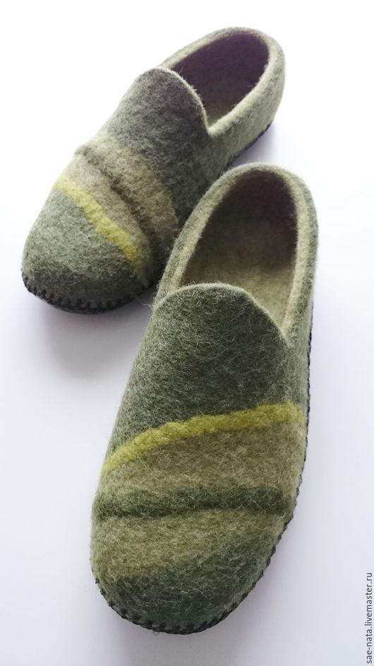 Обувь ручной работы. Ярмарка Мастеров - ручная работа. Купить Тапки валяные мужские. Handmade. Тёмно-зелёный, тапки из шерсти