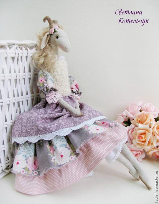 Куклы Тильды ручной работы. Ярмарка Мастеров - ручная работа. Купить Коза . Пасхальный подарок. Handmade. Бледно-сиреневый, лавандовый