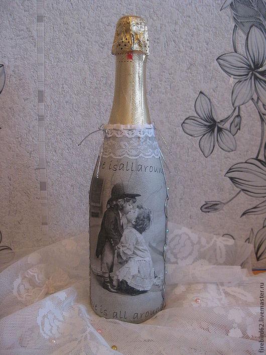 """Подарки на свадьбу ручной работы. Ярмарка Мастеров - ручная работа. Купить Бутылка шампанского """"Love is all around"""" ПРОДАНО. Handmade."""