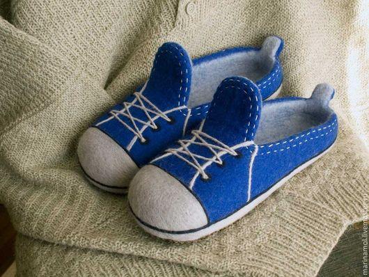 """Обувь ручной работы. Ярмарка Мастеров - ручная работа. Купить Мужские валяные тапки """"Синие кеды"""". Handmade. Синий"""