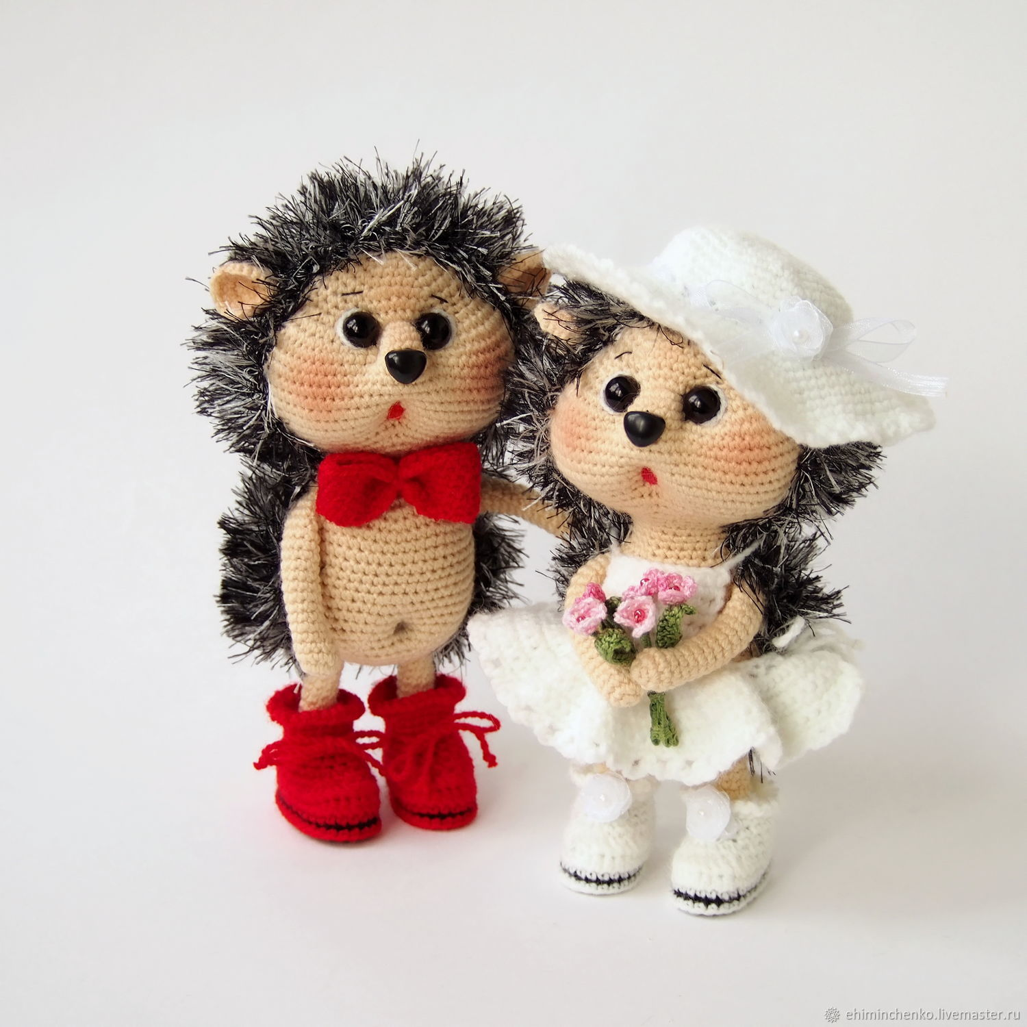 Knitted interior toys hedgehogs Newlyweds – shop online on