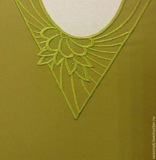 """Аппликации, вставки, отделка ручной работы. Ярмарка Мастеров - ручная работа. Купить Вышивка выреза, орнамента на одежде, картинки """"Цветы в треугольнике"""". Handmade."""