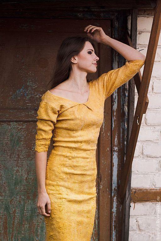 Платья ручной работы. Ярмарка Мастеров - ручная работа. Купить Платье-футляр Antique Gold. Handmade. Золотой цвет