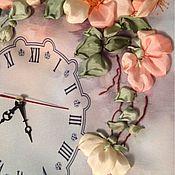 """Для дома и интерьера ручной работы. Ярмарка Мастеров - ручная работа Часы настенные """"Майский шиповник"""" часы вышитые шелковыми лентами. Handmade."""