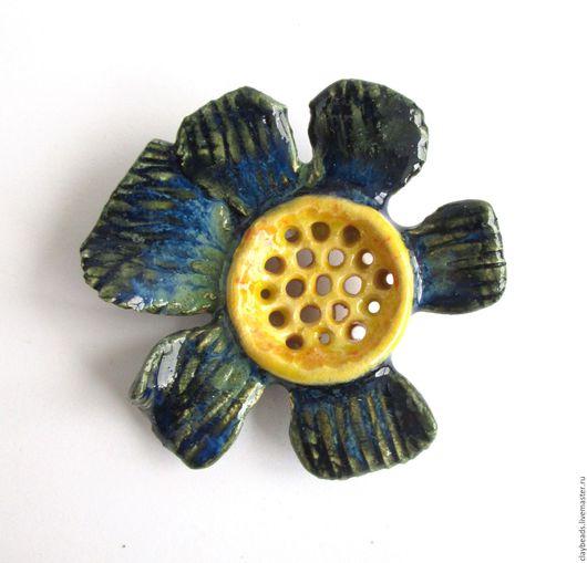 Броши ручной работы. Ярмарка Мастеров - ручная работа. Купить Синецветные броши, керамика. Handmade. Керамические броши, броши цветы