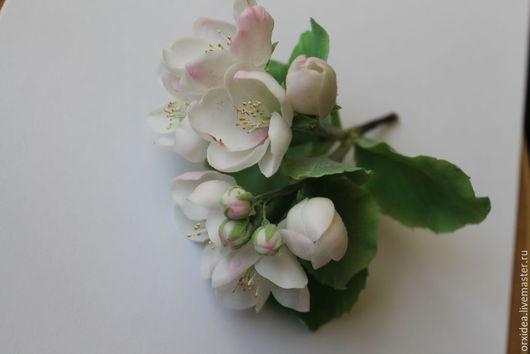 Цветы ручной работы. Ярмарка Мастеров - ручная работа. Купить Яблоневый цвет. Handmade. Заколка с цветами, цветы из полимерной глины