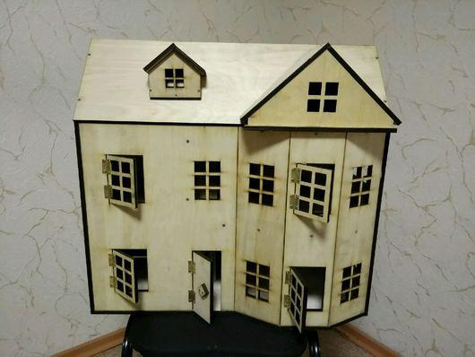 Кукольный дом ручной работы. Ярмарка Мастеров - ручная работа. Купить Кукольный домик из дерева в викторианском стиле с мансардой. Handmade.