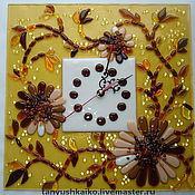 """Часы ручной работы. Ярмарка Мастеров - ручная работа Часы """"Янтарные герберы"""" стекло, фьюзинг. Handmade."""