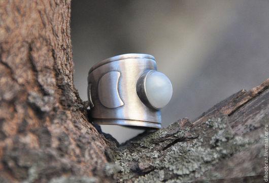 """Кольца ручной работы. Ярмарка Мастеров - ручная работа. Купить Кольцо серебряное """"Полнолуние"""" с лунным камнем. Handmade. Луна"""