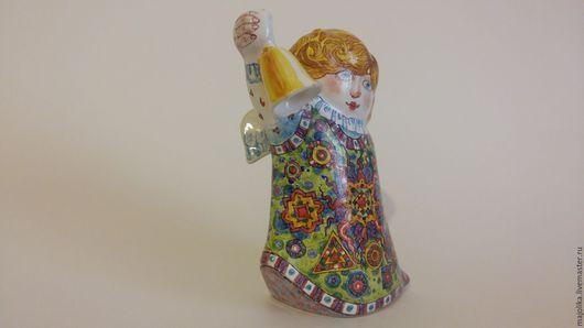 Статуэтки ручной работы. Ярмарка Мастеров - ручная работа. Купить Майоликовый ангел с колокольчиком. Handmade. Комбинированный, ангелочек, подарок крестной