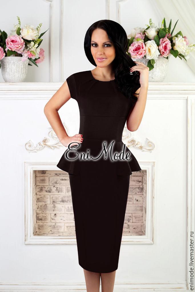 3a987fde7b18 Элегантное чёрное платье-футляр с баской – купить в интернет ...