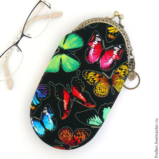 """Футляры, очечники ручной работы. Ярмарка Мастеров - ручная работа. Купить Футляр для очков, очечник с фермуаром """"Бабочки на черном"""". Handmade."""