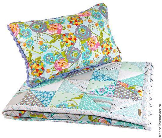 Пледы и одеяла ручной работы. Ярмарка Мастеров - ручная работа. Купить Детское лоскутное одеяло с подушкой. Handmade. Бирюзовый, покрывало