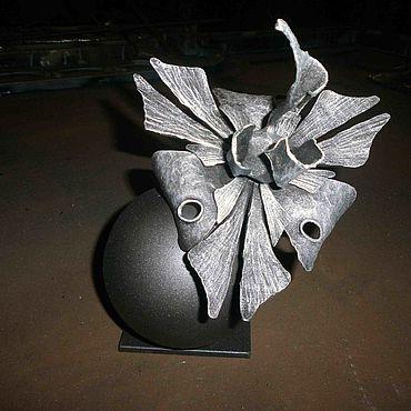 Для дома и интерьера ручной работы. Ярмарка Мастеров - ручная работа Скульптуры: Сувенир – Кованый цветок на шаре. Handmade.