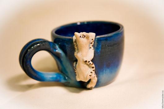 Кружки и чашки ручной работы. Ярмарка Мастеров - ручная работа. Купить В наличии: Кошка на кружке. Handmade. Синий